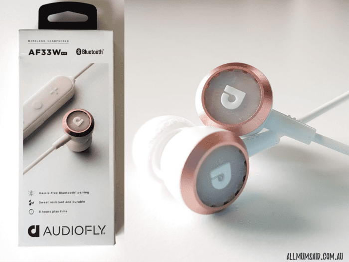 Audiofly AF33W earphones - packing and close up