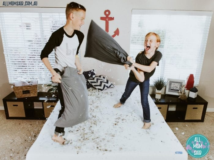 sleepover etiquette for kids | kids playing on bed